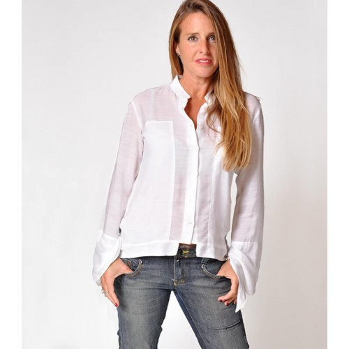 WHITE BELL SLEEVE BLOUSE